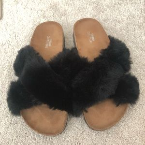 Urban Outfitters fluffy sandal slippers